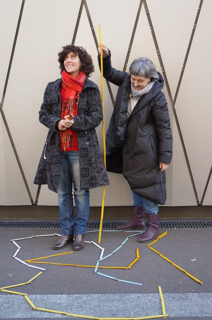 Genèse de «Tu m'as vu?» projet intergénérationnel insoliteet ludique. Equipe Varole-lyne Klay et Catherine Froidevaux