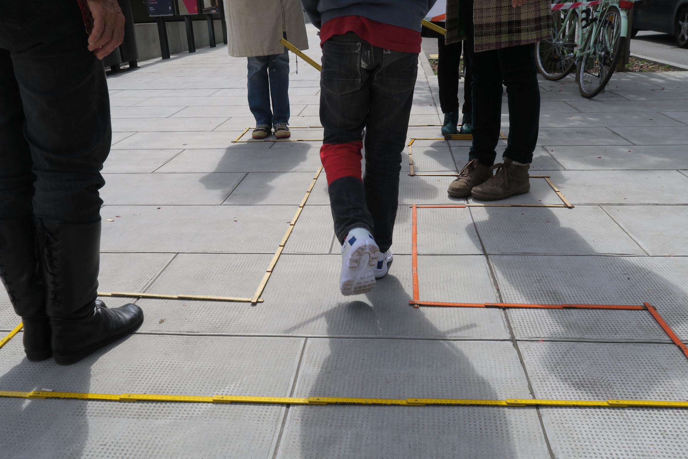 Terrain doubles-mètres défi coopératif «Tu m'as vu?»