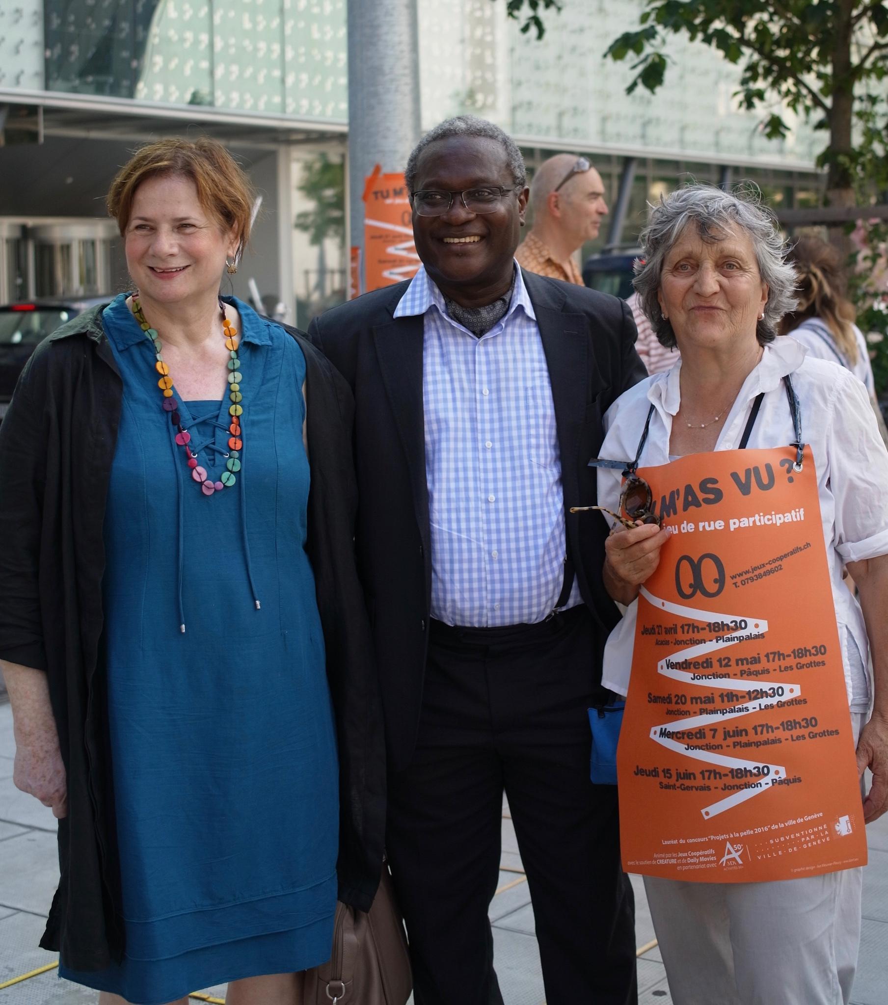Esther Alder : conseillère administrative ville de Genève, Laurent Jimaja : maire du Grand-Saconnex sont venus relever le défi coopératif «Tu m'as vu?». Catherine Froidevaux (à droite) conceptrice du projet est à leur côté